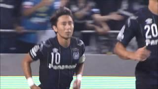 倉田 秋(G大阪)がPKをゴール左下に蹴り込み、G大阪が1点差に詰め寄...