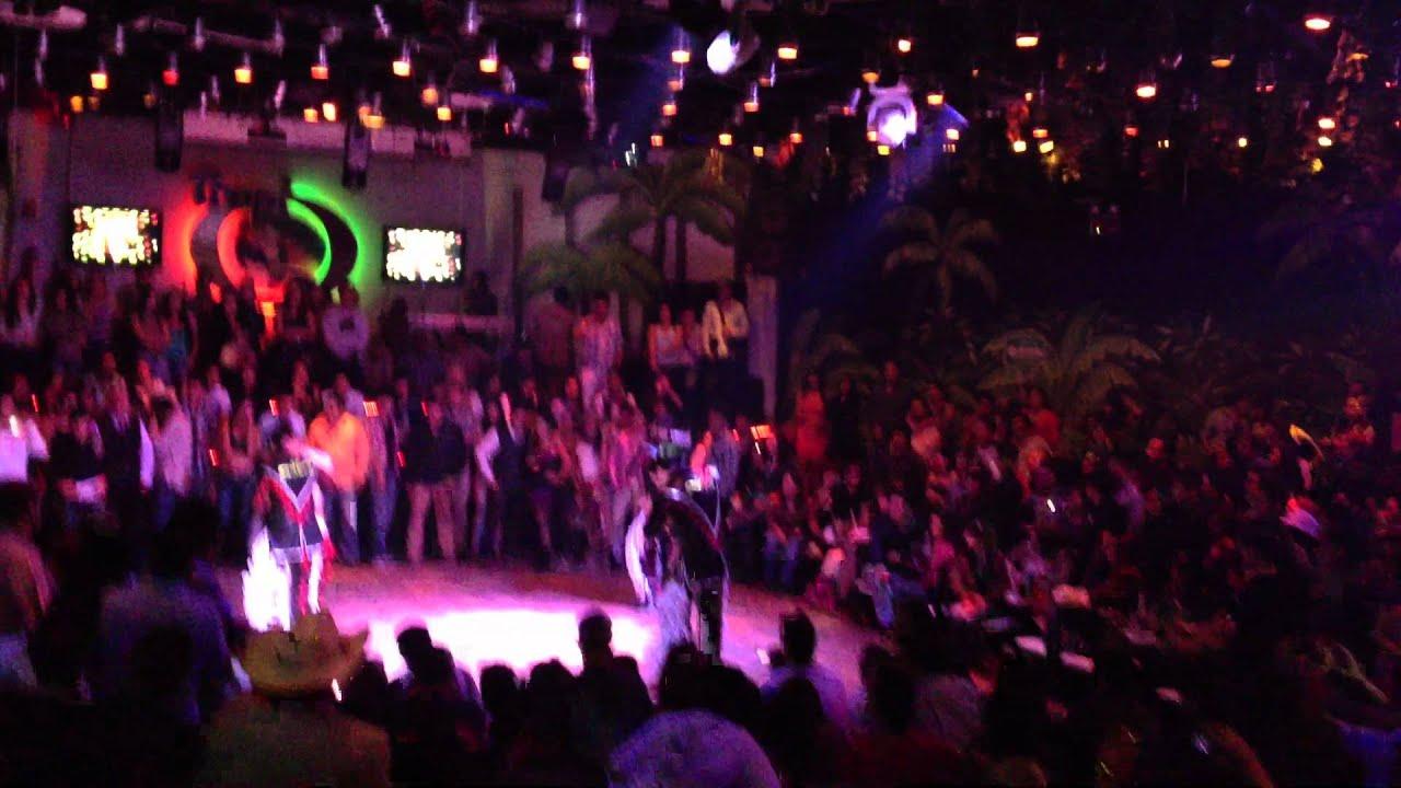 Bailando Quebradita En Rodeo Santa Fe Youtube