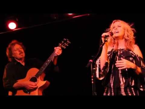 Vonda Shepard Live singing I Only Wanna Be With You