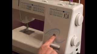 Le but de cette vidéo est de vous montrer les principales pièces d'une machine à coudre mécanique et de vous expliquer brièvement leur utilité. Certaines ...