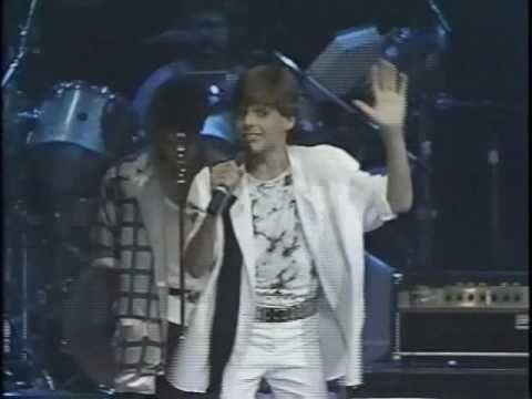 MENUDO - Oh My Love - Ricky Martin LIVE