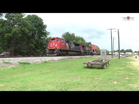 Canadian National Q194 through Glendora, Mississippi