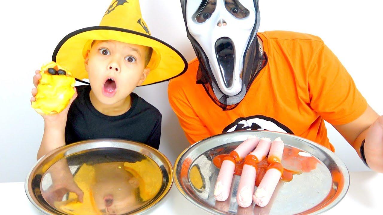 Еда на ХЕЛЛОУИН пробуем с младшим Братом Егором Halloween challenge