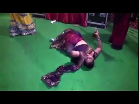 Do ghut Pila De sathiya    Ladies after Drinking    Dance in marriage    Share Watch   