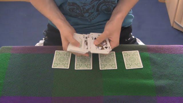 Kartentrick 4 Stapel