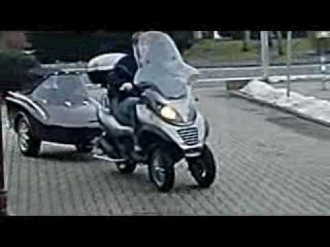 piaggio mp3 250 lt with freewheel doggy trailer youtube. Black Bedroom Furniture Sets. Home Design Ideas