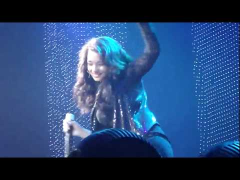 Justin Bieber ft. Jessica Jarrell - Overboard [Live at Moline] 02.07.2010