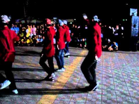 9a4 nhảy Apologies - Jabbawockeez, Hội trại THCS Trần Phú - Vũng Tàu, 24/3/2012