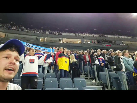 Ice Hockey World Cup 2017 - Slovakia - Italy 3-2 - Wrong National Anthem - Look what fans are doing!