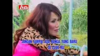 Video RITA SUGIARTO   DUA KURSI download MP3, 3GP, MP4, WEBM, AVI, FLV November 2018