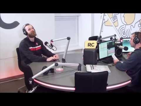 """Antanas Kavaliauskas """"Radiocentre"""" pateko į liežuvio treniruotę."""