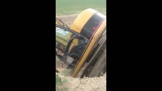 Excavator Accident *NO FATALITIES*