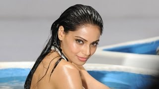 Top 10 Hottest Actresses of Bollywood