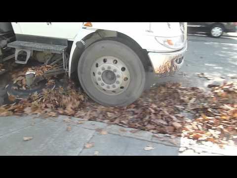 Street Sweeper With Full Hopper - City Of Alameda, California