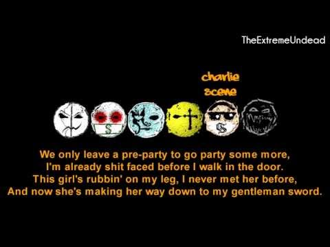 Hollywood Undead - Comin' In Hot [Lyrics Video] [OLD VERSION]