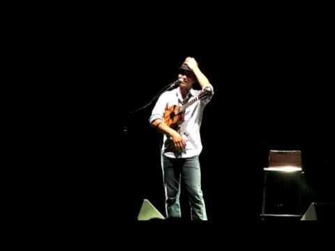 "Jake Shimabukuro - ""Let's Dance"" Flamenco Ukulele"
