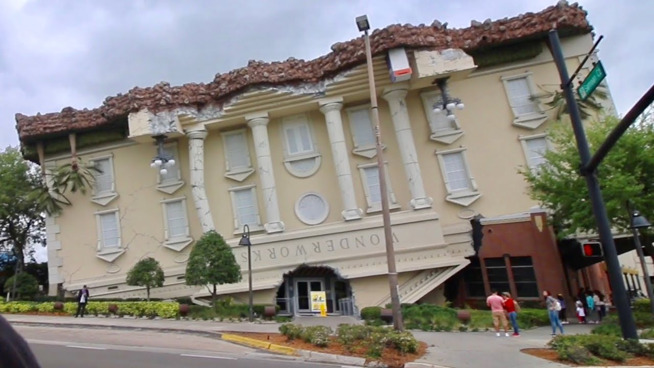 wonderworks orlando upside down attraction laying on bed of nails youtube. Black Bedroom Furniture Sets. Home Design Ideas