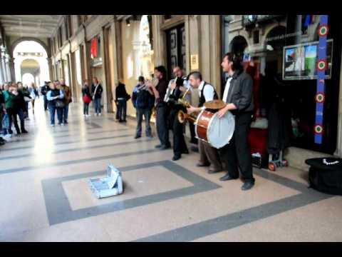 Folk music in Turin