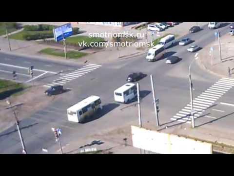 Smotriomsk.RU: Омск, камера на Жукова 101к1, ДТП, 13.05.2017, 09:26 (+06GMT)