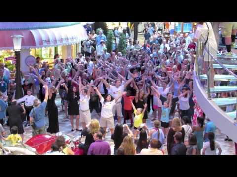 Flash Mob Dance Allure of the Seas - Royal Caribbean