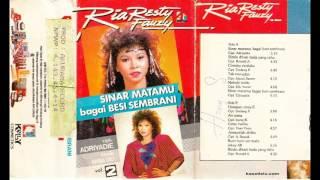Video Ria Resty Fauzy - Sinar Matamu Bagai Besi Sembrani download MP3, 3GP, MP4, WEBM, AVI, FLV Juni 2018