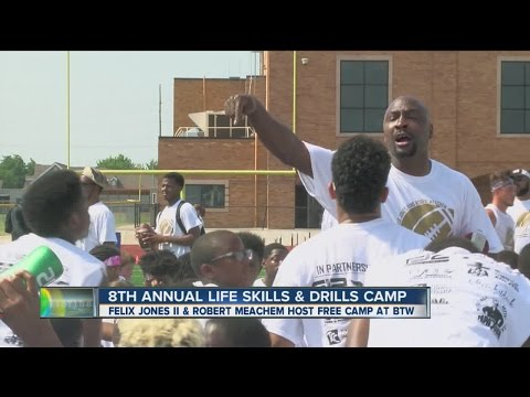 Felix Jones II & Robert Meachem Skills and Drills Camp