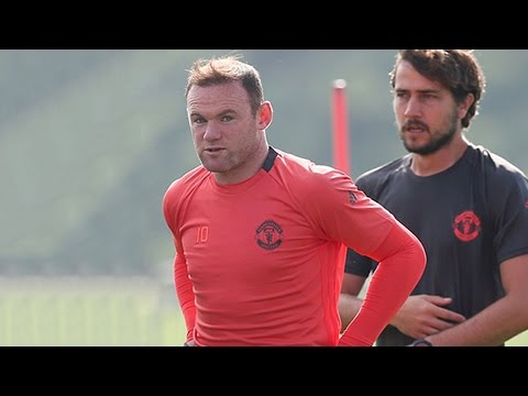 Wayne Rooney left out of Europa League squad against Feyenoord