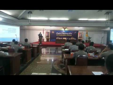 Kabagkembangtas Romisinter Divhubinter Polri membuka English Competency Test di Polda Jateng