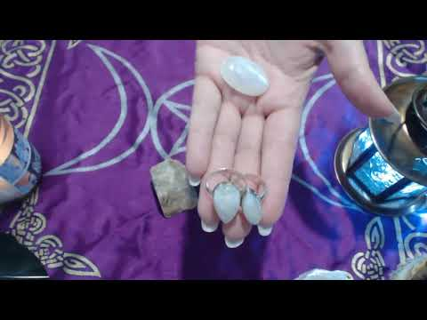 MOONSTONE AND IT SPIRITUAL MAGICAL HEALING ENERGY PROPERTIES!