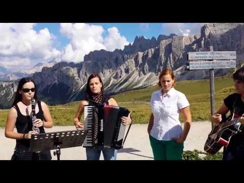 Polka M dels - S pesmijo na o