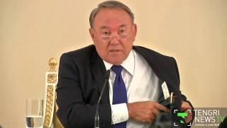 Нурсултан Назарбаев носит костюмы и обувь казахстанского производства