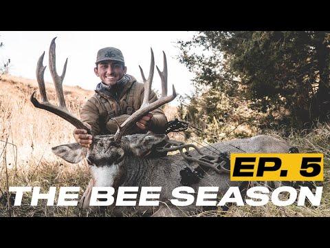 Monster Nebraska Mule Deer With A Bow