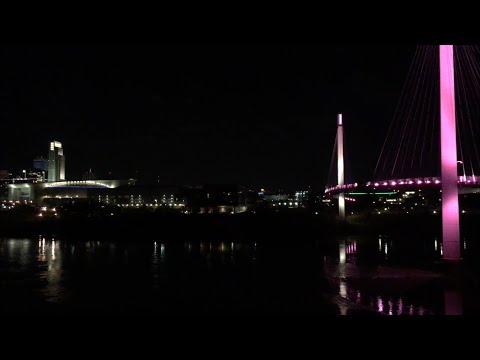 Omaha skyline and pedestrian bridge