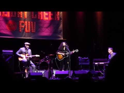 "Corinne Bailey Rae. "" Like a Star"" Beacon Theater, NYC 11.30.16"