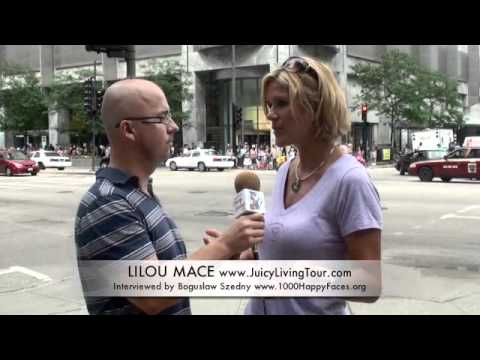 Being interviewed in Chicago - Lilou interviewed by Boguslaw