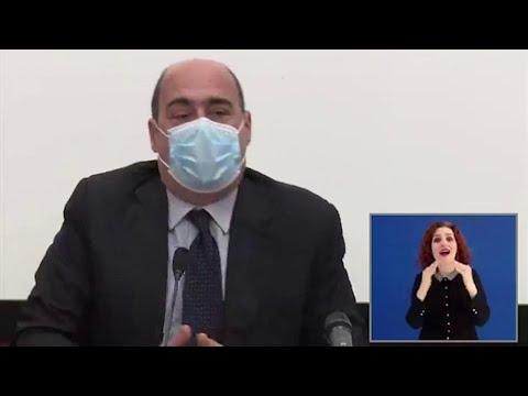 Fase 2, Zingaretti: 'La mascherina diventi la nuova moda dell'estate'