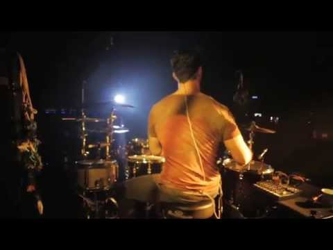 Crystal Fighters - Are we one ( Live @ Salon Cuervo, Mexico DF )