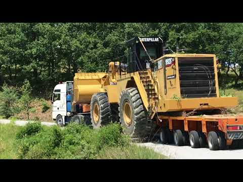 Loading And Transporting The Huge Cat 992G