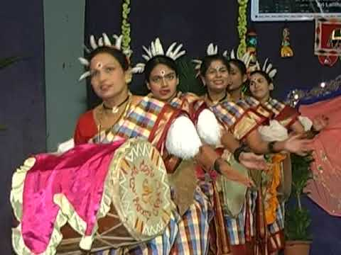 Dollu Kunitha | Drum Dance | Girls | Sujatha Murthy | Karnataka Folk Dance | India Folklore