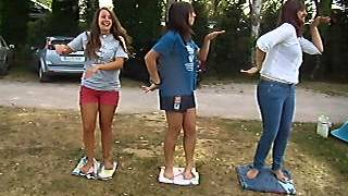 Camping Bañugues - El baile del cuadrado.
