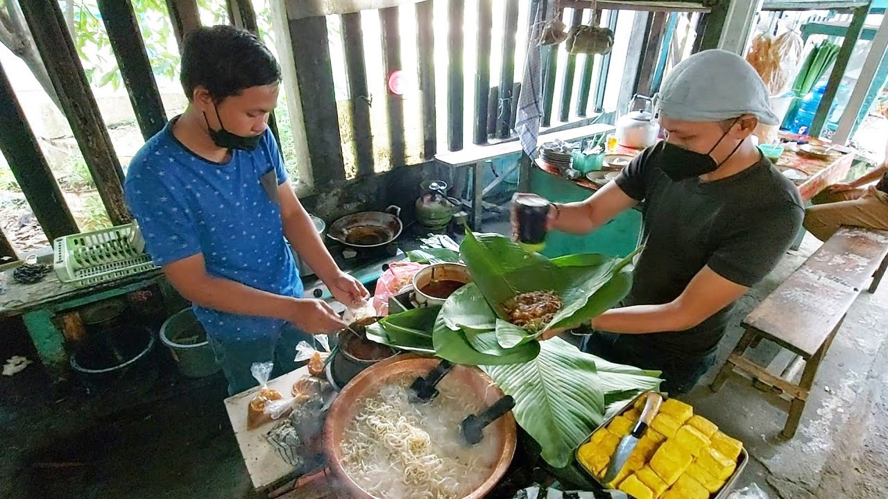 TOGE GORENG ENAK DI BOGOR JUALANNYA DI DALAM GANG SEMPIT & LEGENDARIS !! INDONESIAN STREET FOOD