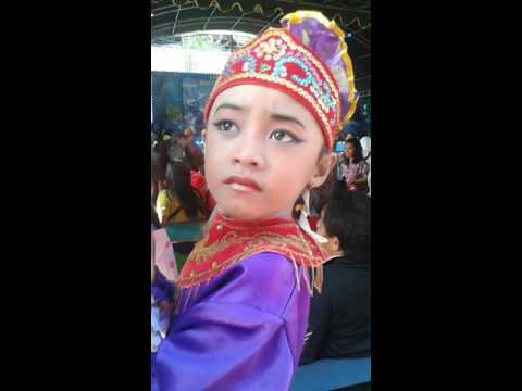 Lomba Menari di THR surabaya - Raina Anindya Putri Agliana