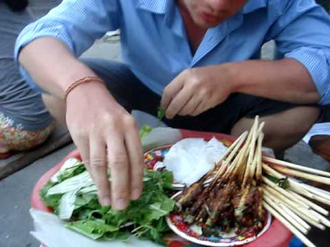 Best street food in South East Asia - Hoi An, Vietnam