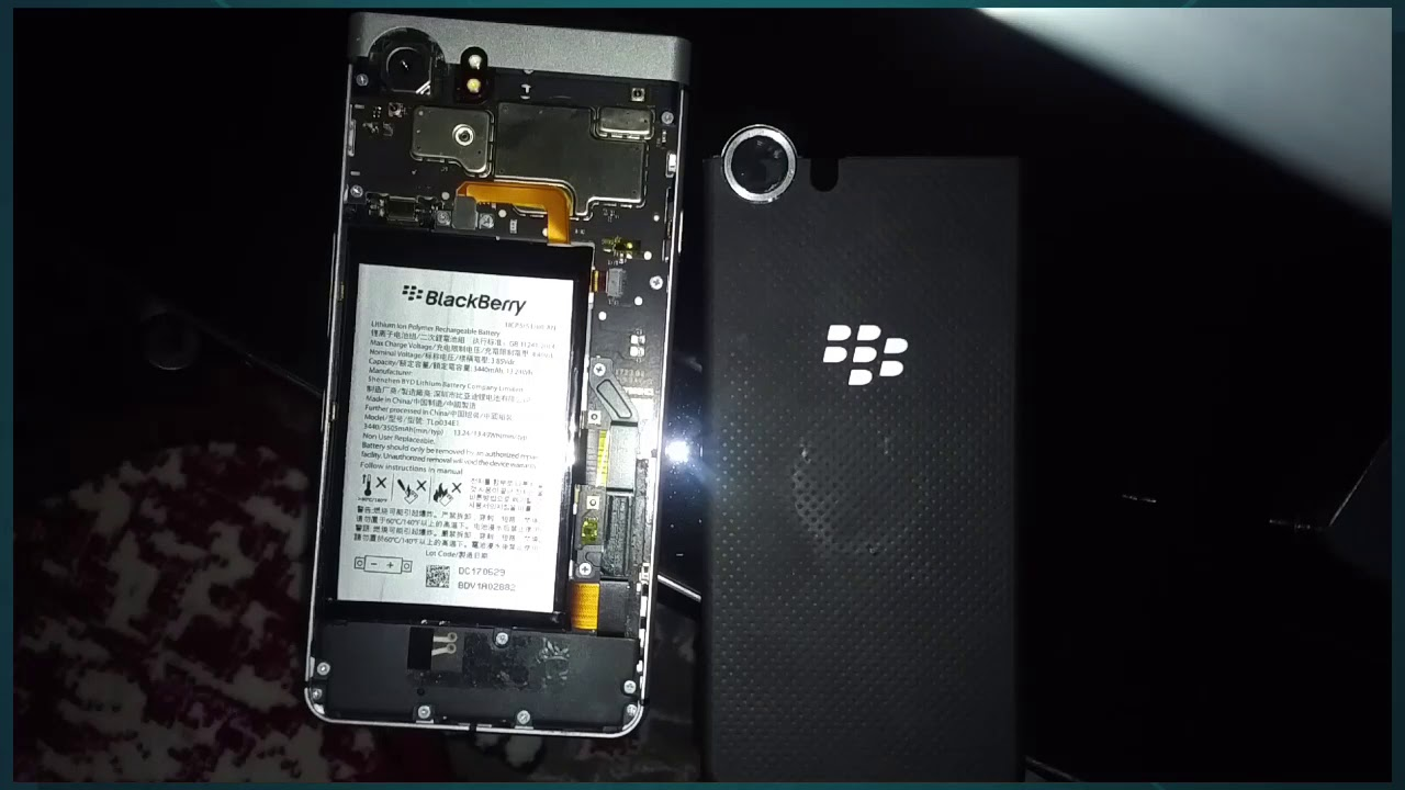 huge selection of 2d774 c851f Blackberry KeyOne Back Cover Install