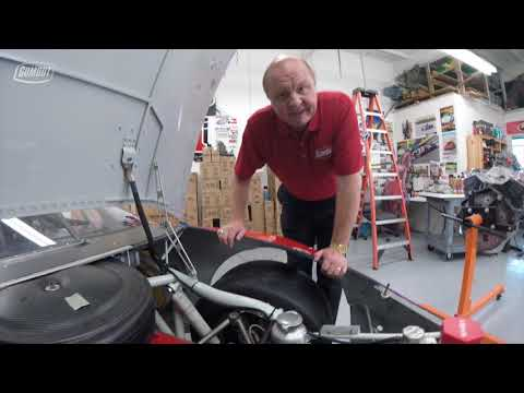 60 seconds with Larry Mac - Wet sump vs dry sump oil system