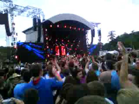 Oasis - Roll with it (Live at Slane Castle 2009)