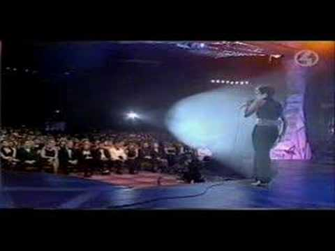 Celine Dion - Think Twice & Award At 1995 World Music Awards