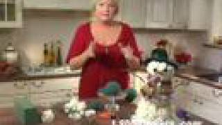 Creating a 1-800-FLOWERS Flower Snowman with Julie Mulligan