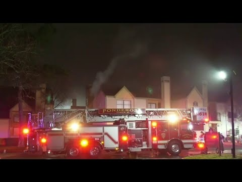 2 Harris County deputies, firefighter injured in North Harris County apartment fire
