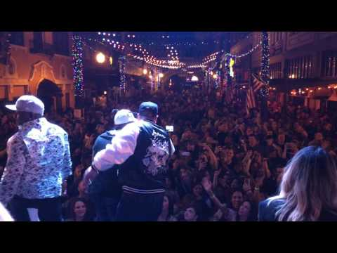 Gangsta's Paradise - Coolio, Joey Fatone & Pepa live at Wall St. Plaza 12/3/16
